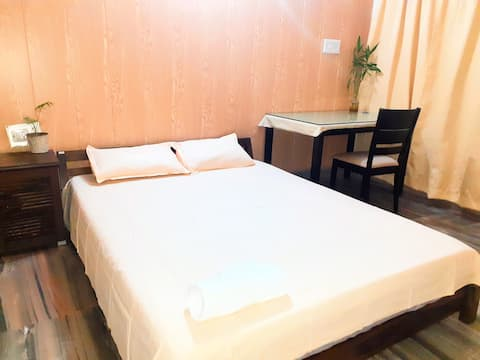 Comfy and Clean Room in City Center