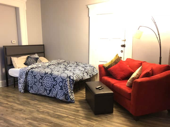 Affordable Studio in Allentown (Free Parking)