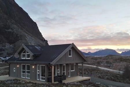 Lofoten. Ny hytte på vakre Gimsøy. - Gimsøysand