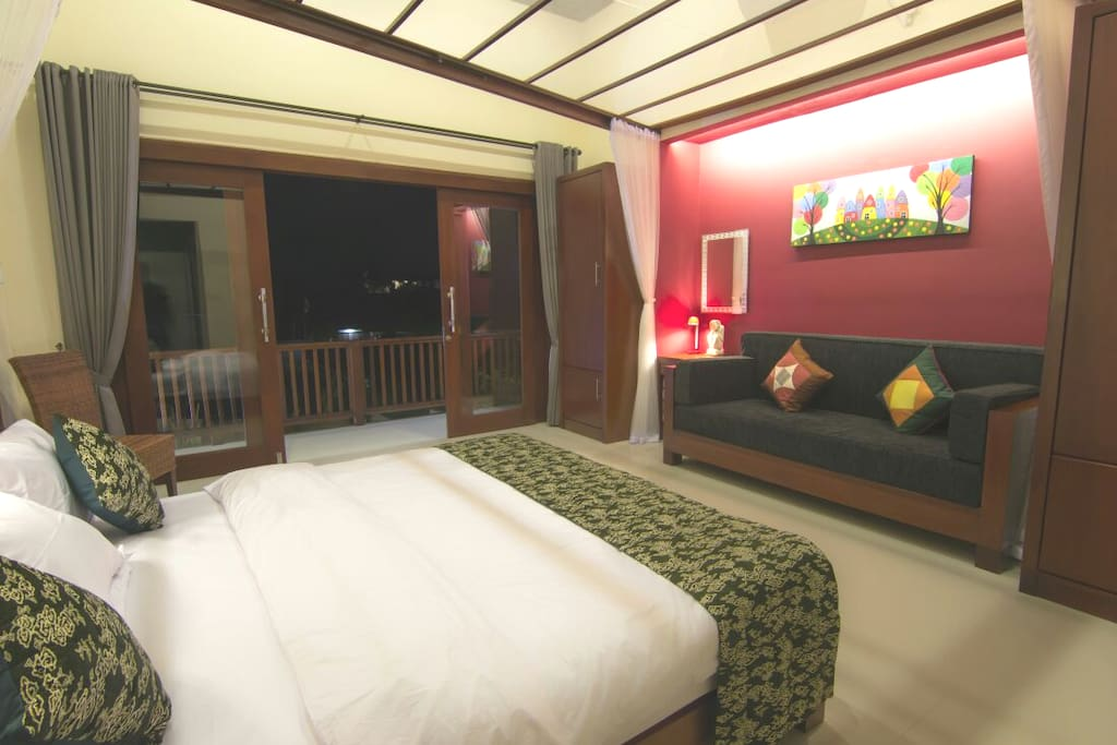 Villa Batur 3 bedroom, Bedroom with sofa bad & balcony
