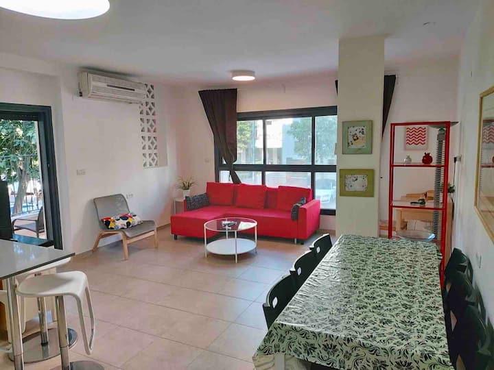 Raanana 3BR central Apartment