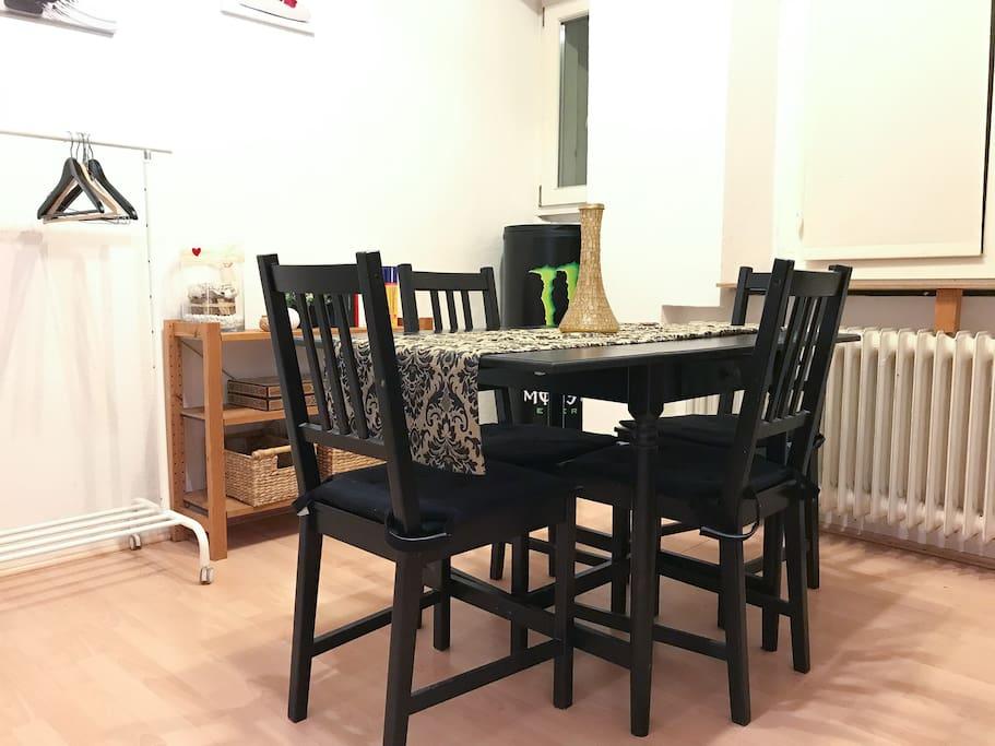 apartment in d sseldorf bilk wohnungen zur miete in d sseldorf nordrhein westfalen deutschland. Black Bedroom Furniture Sets. Home Design Ideas