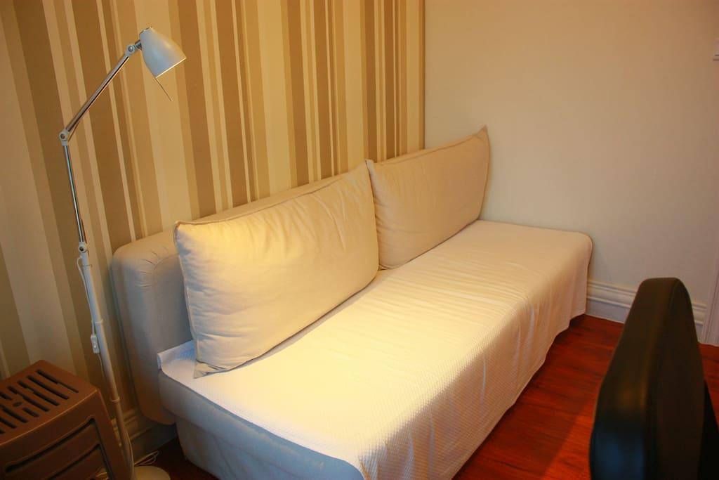 客房内沙发床,您可以住在这里