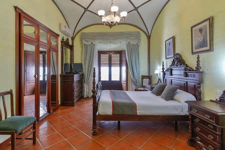 1 Twin Room in OYO Hotel las Palmeras, Zafra