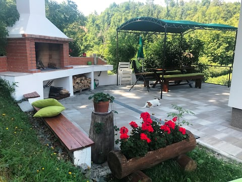 Pink'S House - 50m from the Lake, Mrzla Vodica