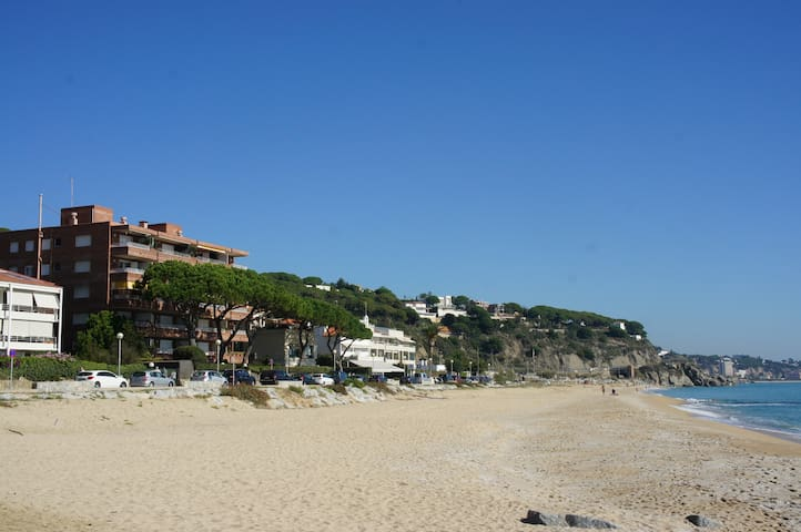 APARTMENT IN FIRST LINE OF SEA - Arenys de Mar
