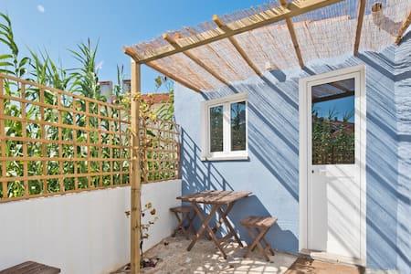 Cozy Blue Cottage | Beach, Sun and Peace