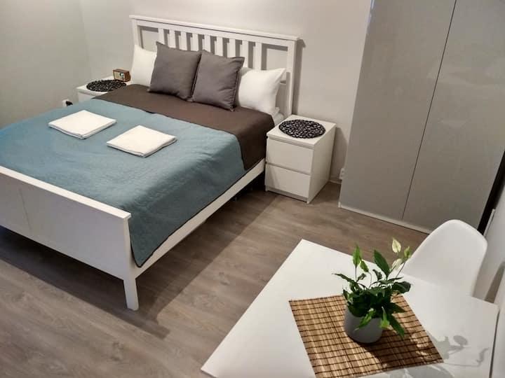 Yifair11A 简约舒适的独用公寓  市中心  靠近老城和卡齐米日 自助入住 交通便利