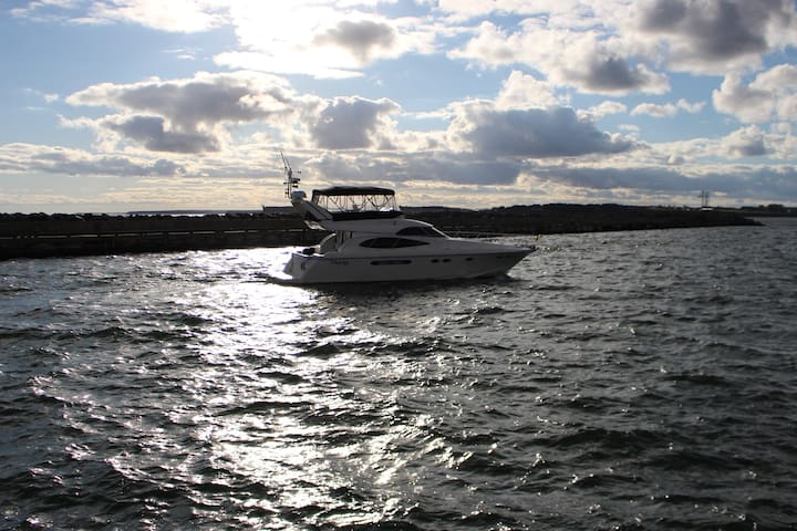 Affordable Luxury Yacht Rental