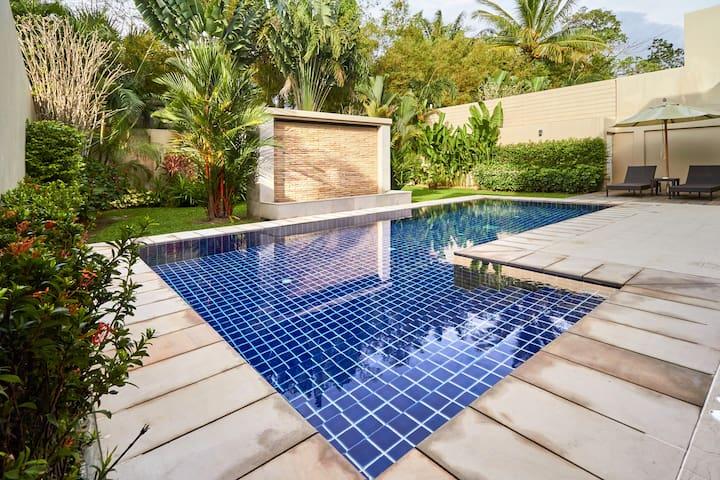 Spacious 3-Bedroom Pool Villa - Thalang - Hus