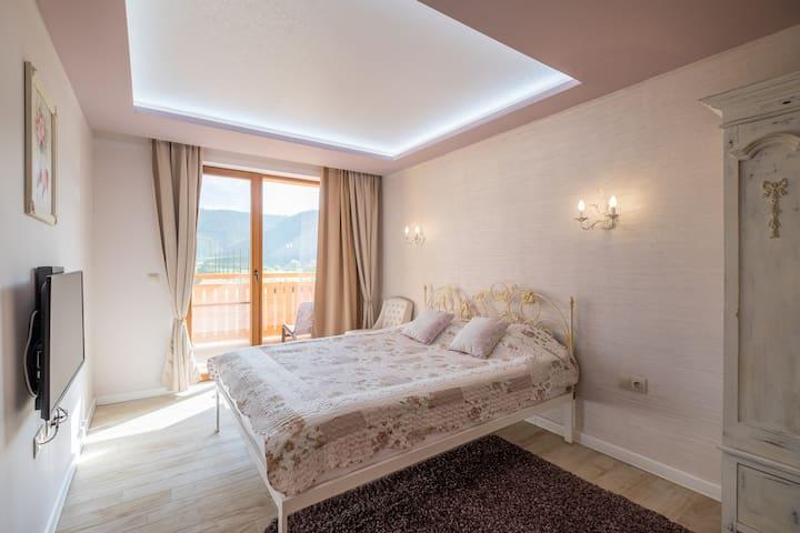 1st floor Bedroom #1