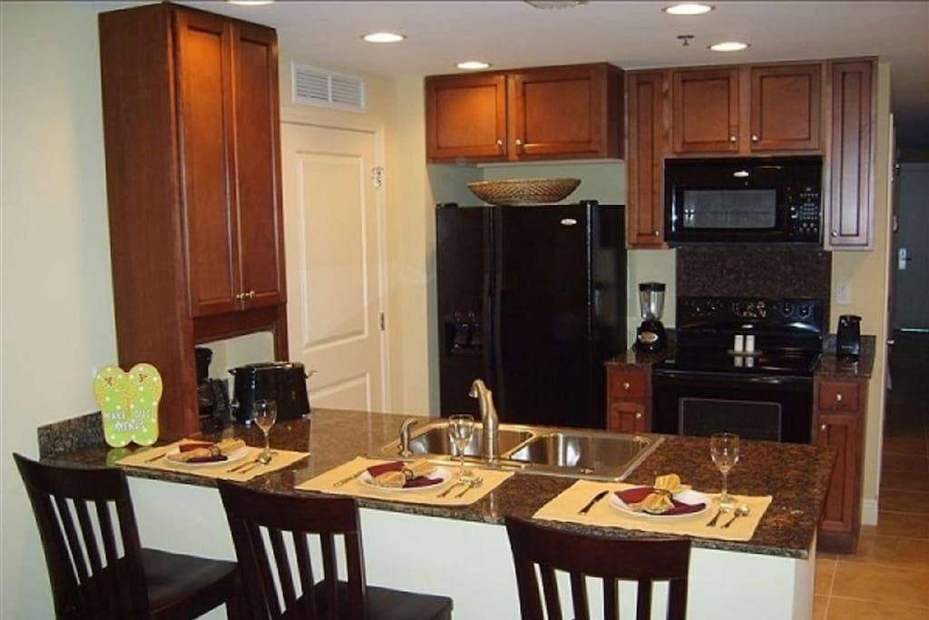 Granite counter tops with plenty of seating!