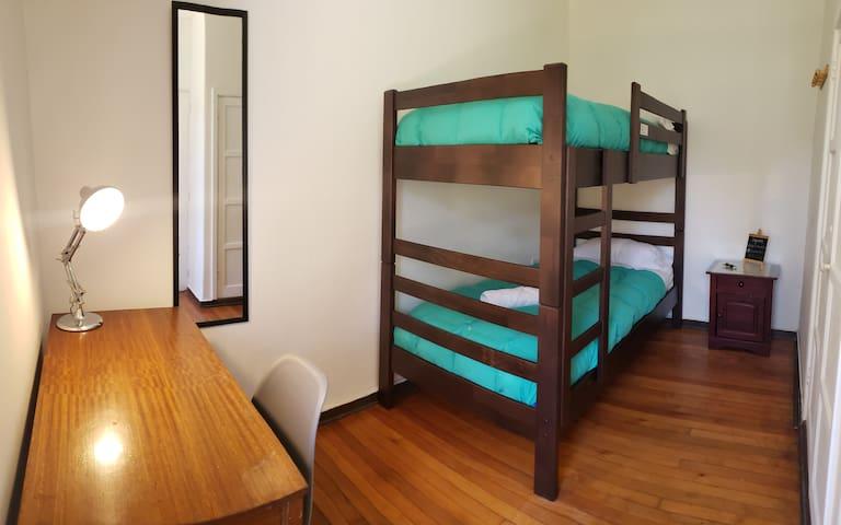 Acogedora habitación en una increíble casona