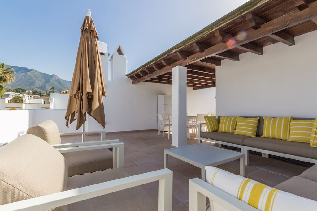 Casa Bella has a magnificent roof terrace, great for sunbathing or entertaining!