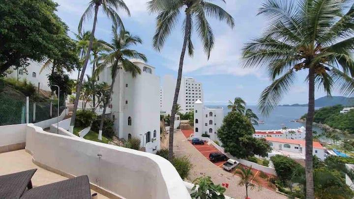 Manzanillo Burgos ll, Playa Audiencia ocean view