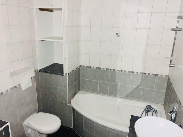 studio (baignoire, wifi, prêt de vtt, lave linge)