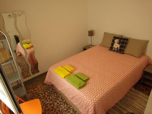 Your room - D - Eixample, Barcelona