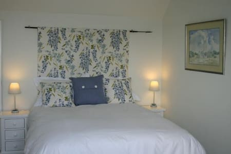 Pretty double room on the West Somerset coast - Watchet - บ้าน