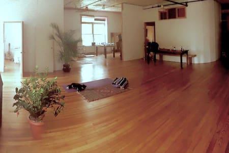 Live/Work Artist Loft in Ridgewood , Queens NYC - Queens
