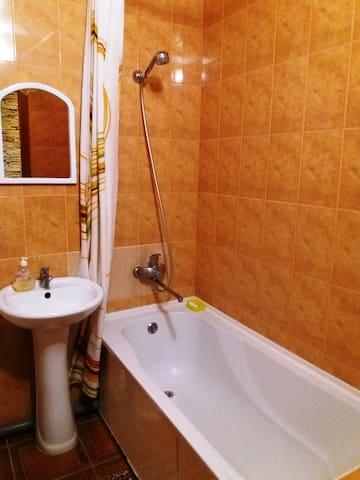 уютная 1ком квартира - Kherson - Apartment