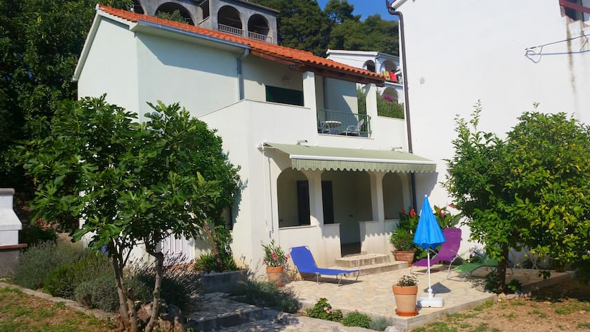 House Diana 20 m from the beach - Brist - Casa