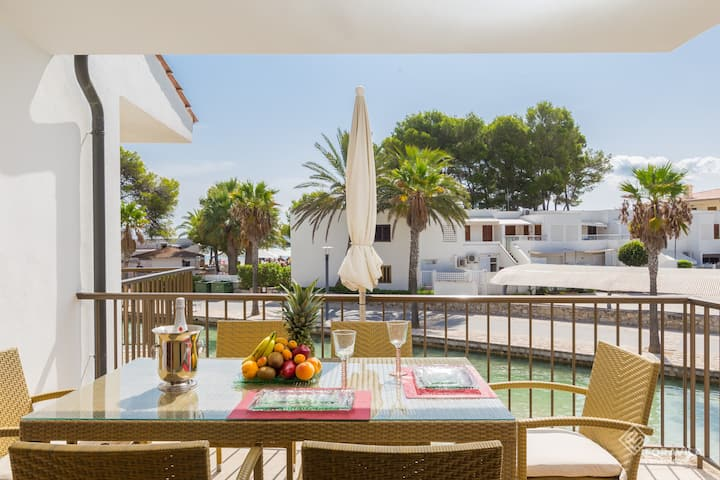 Gran Canal. Apartment next to the beach in Alcudia