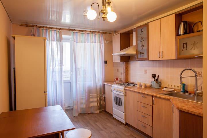 Уютная квартира рядом с метро - Samara - Apartment