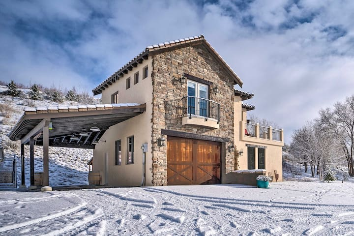 Well-Appointed Villa with Chelan Lake & Mtn Views!