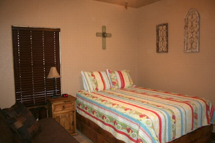 Oak Ridge Cabin Houses For Rent In Leakey Texas United States - Oakridge bedroom furniture