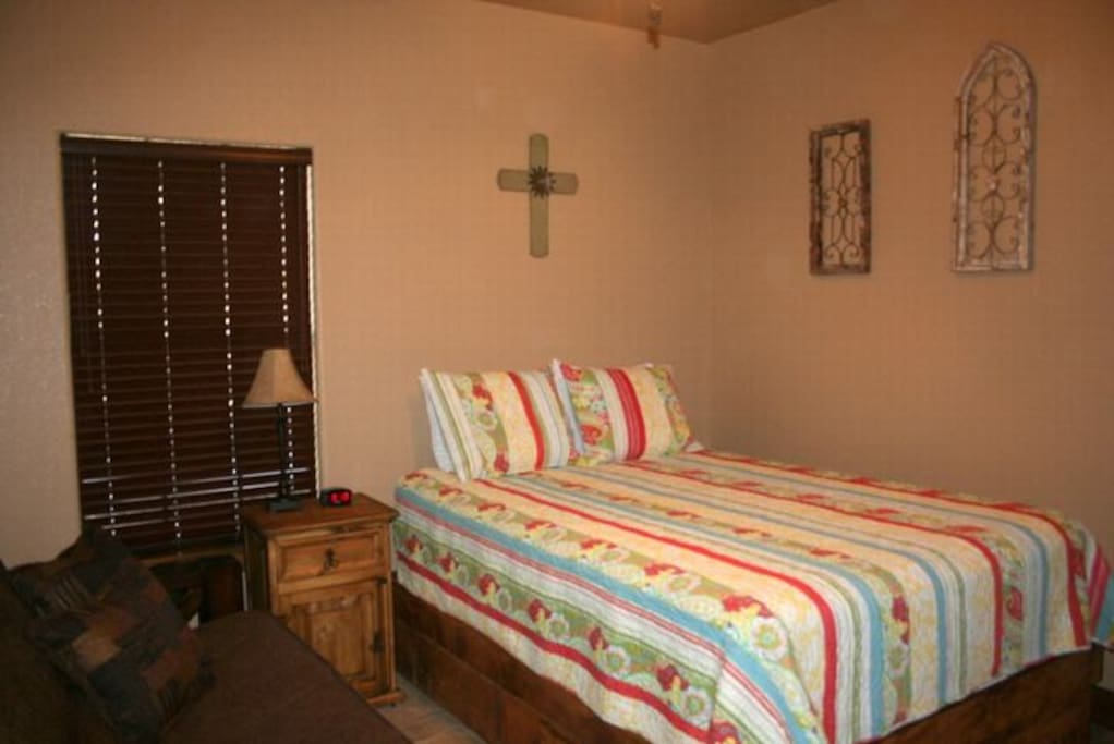 oak ridge bedroom 2.jpg
