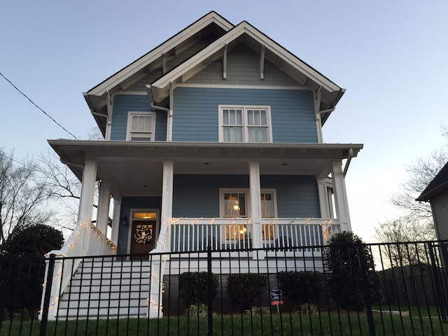 Large Downtown House with Hot Tub & - Nashville - House