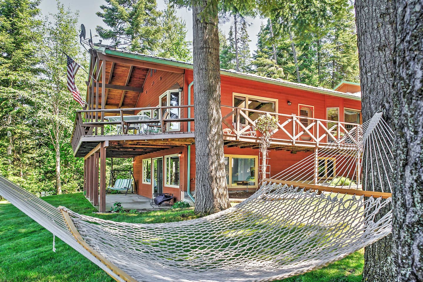 Experience the best of Hayden Lake from this idyllic waterfront vacation rental!