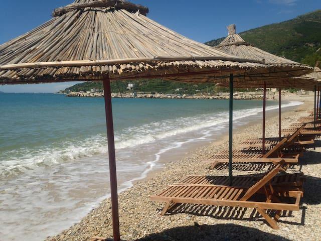 Mauricio place - Vlorë - Byt