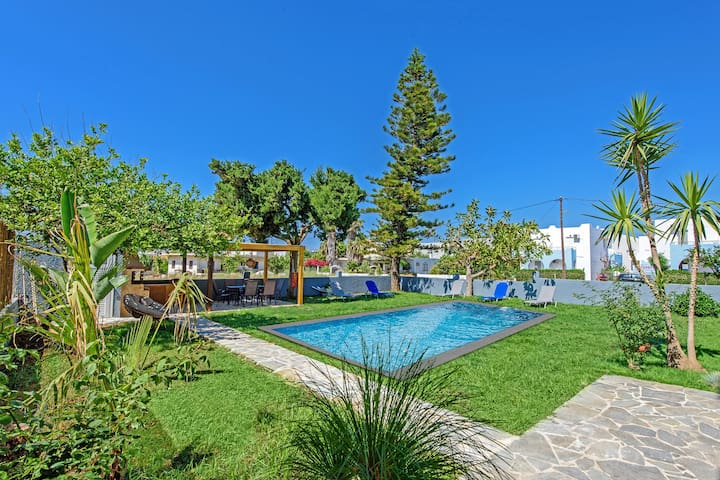 Modern villa-apartment,Walking distance to beach & amenities,Platanes 2
