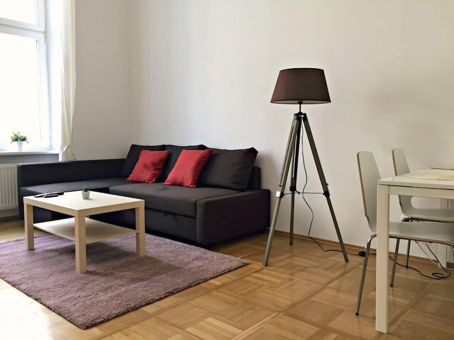 Wohnzimmer + Esstisch