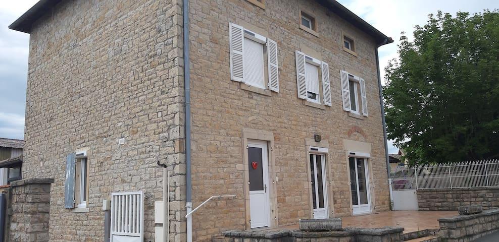 Chambre privative près de Mâcon (A6 et A40)