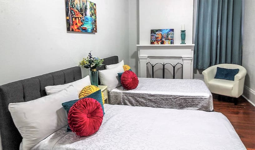 Perfect for Two travelers near French Quarter - #9