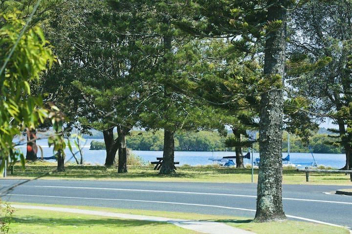 River Breeze 60 Wooli Street Yamba. Linen - Unlimited Wi-Fi Just listed.