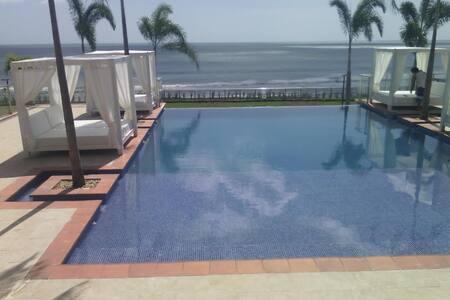 Pacific Ocean Paradise for People/Surfers/Pets - El Palmar