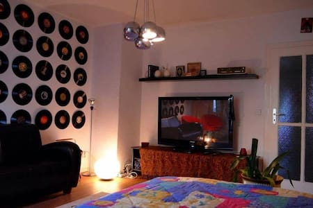 Cosy room in Friedrichshain - Berlino