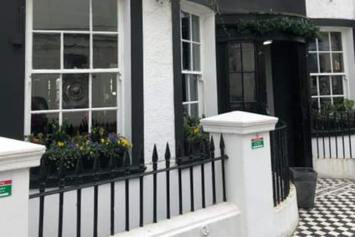 The Montpelier Inn Guest House Bedroom 5