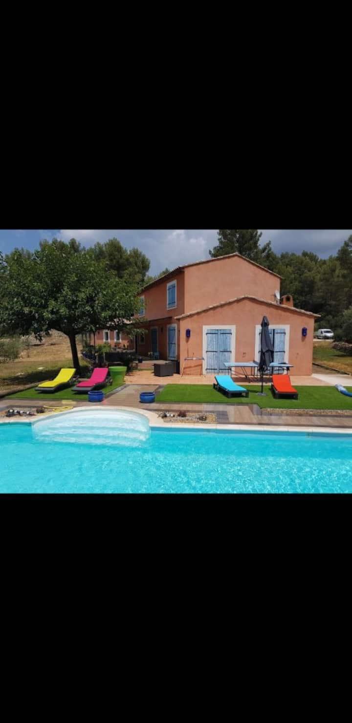 Villa provençale cadre agréable et reposant