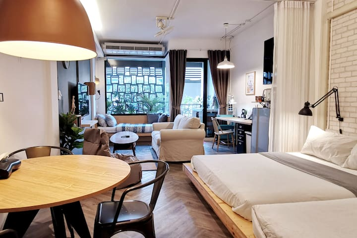 CuteCocoon2—B&B in the Lively Heart of Bangkok