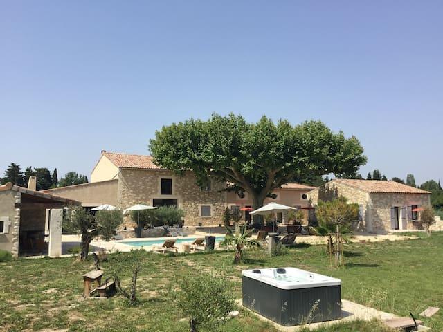 Mas de Nonin St Rémy de Provence Sant Roumié