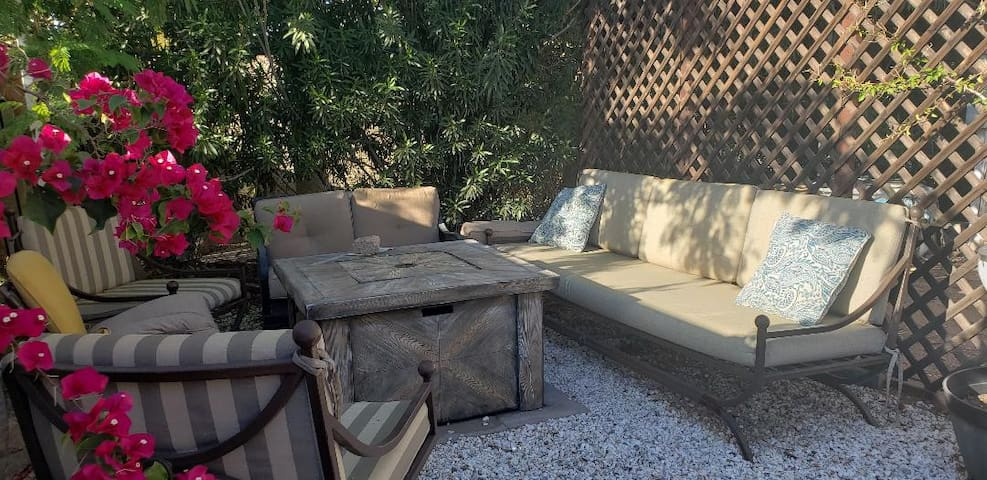 Fire Pit Area (common space)