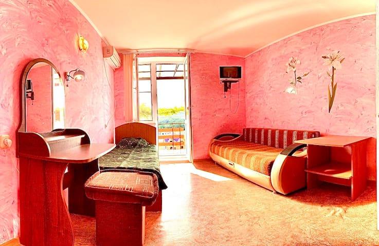 2 этаж, комната 3 с балконом-террасой