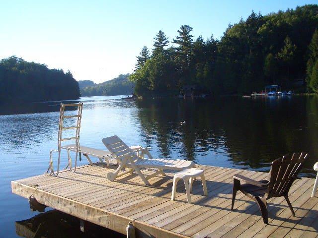 Blackstone Lake Cottage - Parry Sound - Hytte