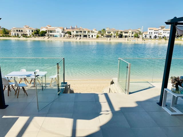 Beach Villa palm jumeirah