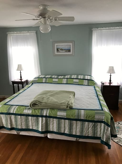 Bedroom 1: King bed ,  ceiling fan