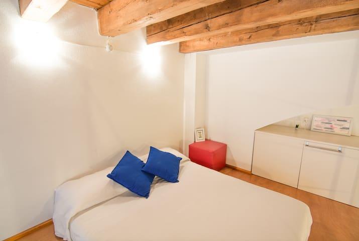 Camera soppalco - Mezzanine bedroom